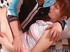 An estudante Nanairo asiática encantadora
