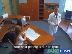 Doktoru ve hemşireden ile birlikte FakeHospital hot sex