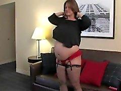Maria Moore ist groß und Schwangere