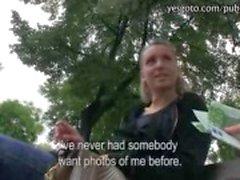 Hete amateur Tsjechische meisje opgepikt in de straat fucked en betaald