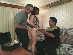 Сексуальная любительская зрелая жена сосать член 1