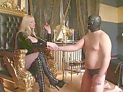 Slave Hut Amateur Herrin einfach und Birthday vergessen Teil 2