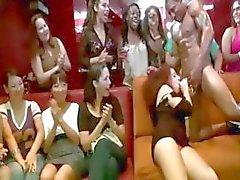 Preto CFNM de stripper sugado pela menina amador