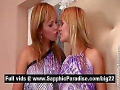 Удивительные светлые лесбиянок поцелуи и облизывает соски и имеющих лесбийская любовь