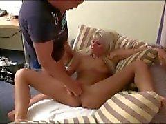 Seksi yumruk lanet kliplerin bir çift