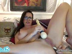 Dana DeArmond sexig stora tuttar MILF anal och fitta onani session.