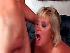 Bushy Sweaty Granny 673