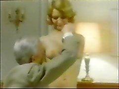Old Man Jean Villroy Maid bir darbe iş alır ... Giyim - Tweed
