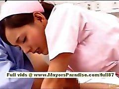 Nao Yoshizaki sexy jeune fille chinoise bénéficie sur un tour de le bus