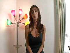 Chaude belle-mère Ariella de Ferrera Bangs de Guy Séduisant