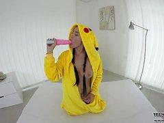 Gullig pokemon Nicole förälskelse i VR solo pussy handling