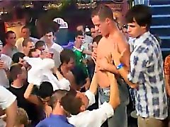 Бесплатный хардкора College веселых секс видео Около ста пижоны Дж