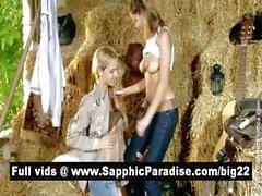 Шаловливые блондинка и Рыжие лесбиянкам поцелуи и облизывает соски и обладающие Лесбия любовь
