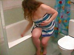 Fat BBW Ex GF ottaen suihku , parranajo jalat ja Pussy