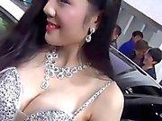 Китайцы автомобиль шоу девушки соски нескользящей