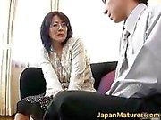Moget reella asiatiskt kvinna som får del 3