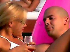 Aficionados Fiesta obtener pervertido una fiesta de playa