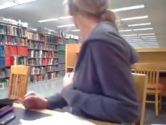 Ameliemay MFC webcam camgirl baise dans la bibliothèque