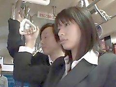 Ханы Харуна азиатских приобретает собачка трахается автобус