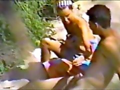 jovem casal fazendo sexo na praia parte 1