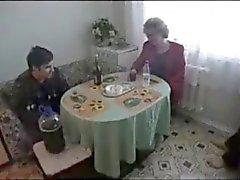 Seltsames Bild russischen Ältere x fette Junge