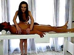 Очень массажистка Penny Брукса высасывает хуй а выключено facialed