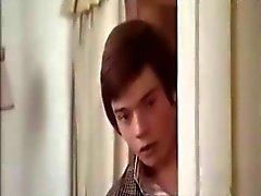 Edwige Fenech suihkussa kohtauksia