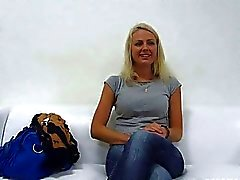 Beaty Blond Girl Jana Ficken Befragung