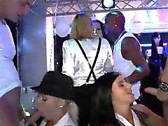 Porn вечеринка в ночном клубе части 3