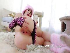 Anal Fisting von zwei sexy Babysitter