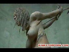 Utomhus BDSM Mud Slave Disgrace