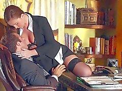 Secretaria sexy Maddy Oreilly se convierte a su jefa