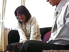 Maduro mulher asiática