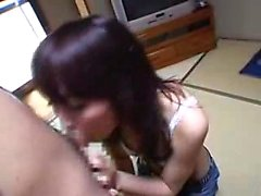 Beautiful Asian babe drops to her knees and reveals her ora