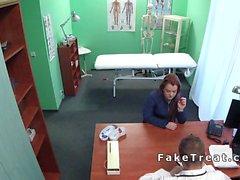Redhead hasta ofiste doktor patlama