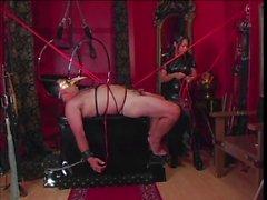 Horny guy in azione bondage con la un asiatica