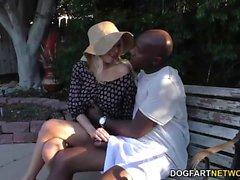 Katie Morgan bekommt Monster schwarzen Schwanz