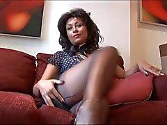 Danica Cobuild auf hohen Absätzen zeigte ihr Muschi und ihre Titten