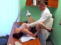 Dottore fotte del paziente