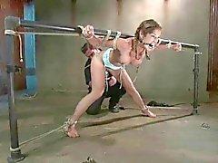 Bondage com Cordas e muitos orgasmos