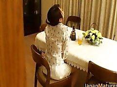 Horny japanilaiset kypsiä tyttöjä sucking