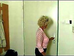 Azgın Büyükanne Cock Arıyorum