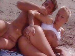 Fransız birkaç kumsalda seks yaparken