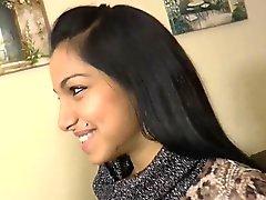 Muchacha india linda que primera vez - su- excéntricas