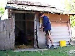 Chico Granja folla a una abuela en el culo