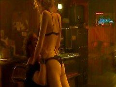 À rebecca Romijn - Femme Fatale