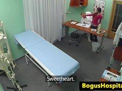 Cheating potilaalla Seduce asiak syötävää mirri