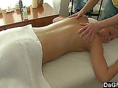 Commencez par massage lisse et les en finir avec rapports sexuels grossière