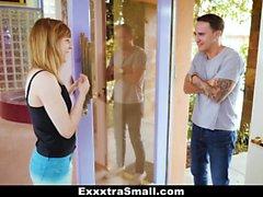 ExxxtraSmall - Spinner pilonnée par Jumbo Sized Dick