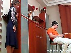 De Rusia Mama contuvo la Hijo masterbating